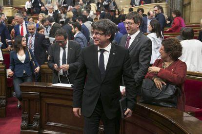 Carles Puigdemont en el pleno del Parlament.