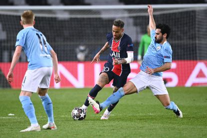 Gundogan tries to steal the ball from Neymar during the first leg of the semifinals in Paris.