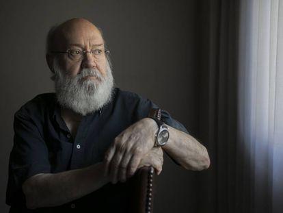 José Luis Cuerda, director de cine, en su casa de Madrid.