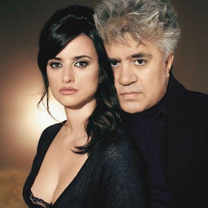 Pedro Almodóvar le dio a Penélope Cruz el papel de Raimunda, y la crítica se volvió loca. la actriz no ha parado de recibir premios por su actuación en 'Volver'.