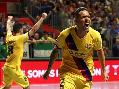 Aicardo celebra uno de los goles del Barça ante el Valdepeñas.
