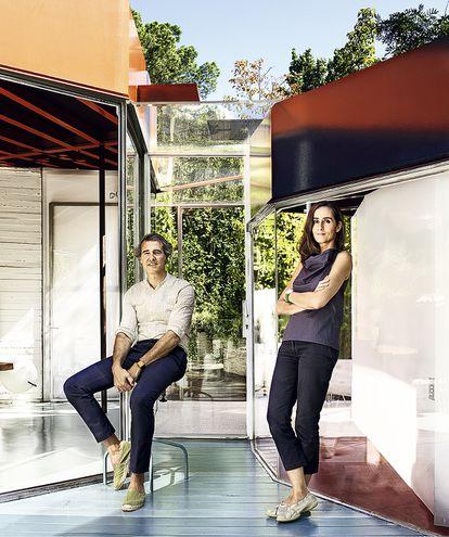 José Selgas y Lucía Cano en su residencia, Silicon House, construida en 2006.