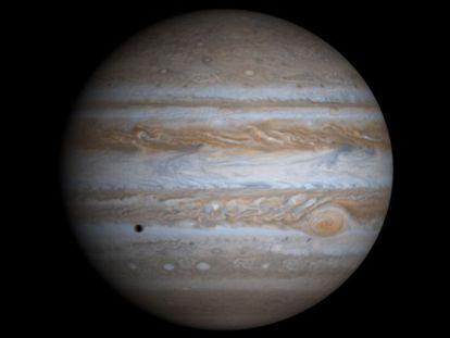 Composición creada a partir de cuatro imágenes de Júpiter tomadas por la sonda Cassini