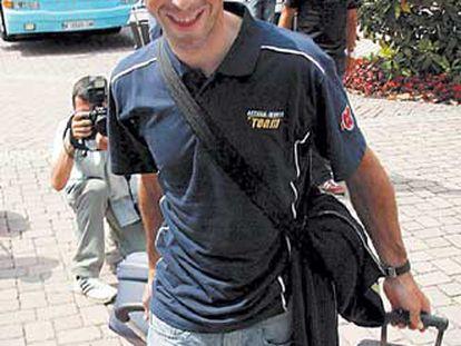 Beloki, del Astaná Würth, llega al hotel en Estrasburgo.