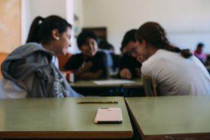 Alumnos durante una clase de educación sexual en un instituto público de Avilés.