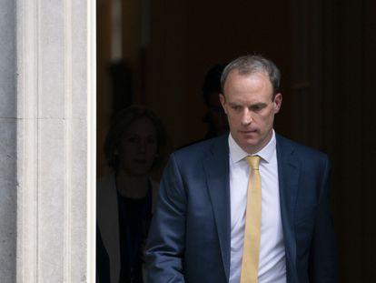 El ministro de Exteriores, Dominic Raab, abandona este martes Downing Street.