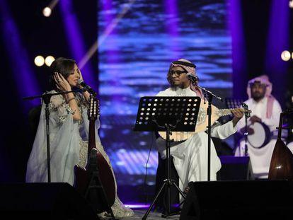 Concierto de la cantante egipcia Angham y el músico saudí Rabeh Saqer en el festival Jeddah Season, que se celebra en la ciudad saudí.