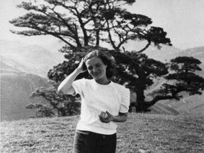 Carmen Laforet, en un viaje a Canarias en 1951.