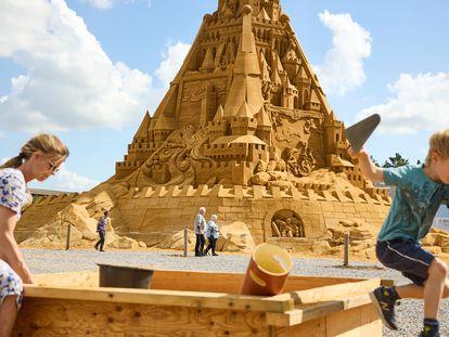 El castillo de arena más grande del mundo, en Blokhus (Dinamarca) en julio.