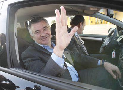 Juan Antonio Roca, cuando salió de prisión en abril de 2008 tras pagar una fianza.