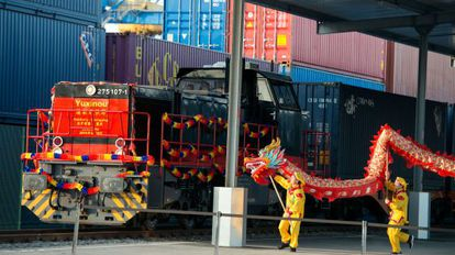 Fiesta de celebración de la llegada del tren Yuxinou entre Chonquing (China) y Duisburgo, el pasado 29 de marzo.
