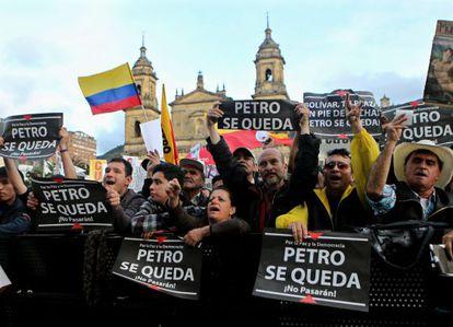 Seguidores de Gustavo Petro durante una protesta en Bogotá.