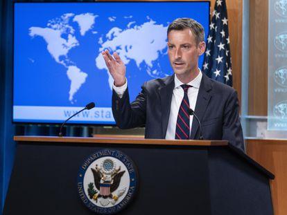 El portavoz de la diplomacia estadounidense, Ned Price, durante una conferencia de prensa el 7 de julio de 2021.