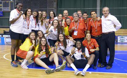 La selección sub-16 celebra el bronce en el Europeo.