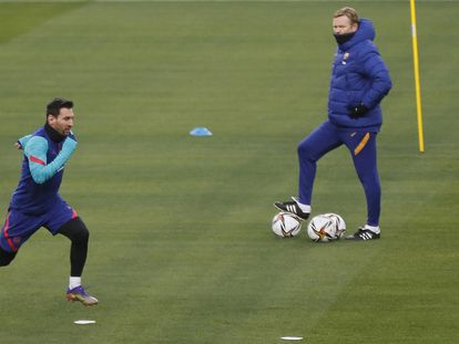 Messi, duda para la final de la Supercopa, en el entrenamiento previo del Barcelona en el estadio de La Cartuja de Sevilla
