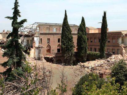 El convento neomudéjar de las Damas Apostólicas, de Madrid, tras la demolición paralizada, en 2017.