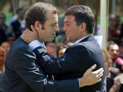 Toma de posesion de Rosell como presidente del Barcelona junto a Laporta, en el año 2010.