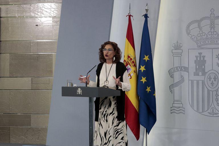 La ministra Portavoz, María Jesús Montero, durante la rueda de prensa ofrecida este jueves.