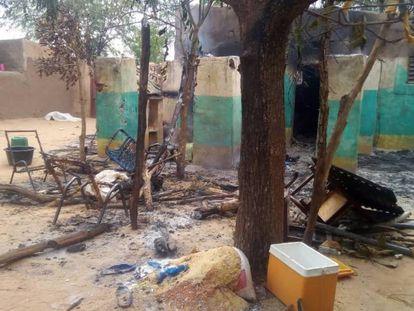 Destrozos del ataque cometido el pasado sábado en el pueblo de Ogossagou, en el centro de Malí.