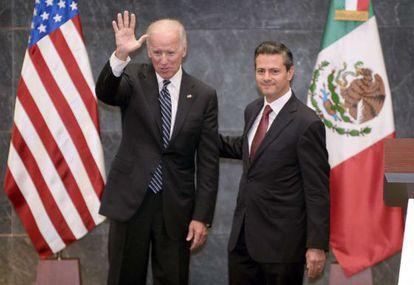 El vicepresidente Joe Biden y el presidente Enrique Peña Nieto.