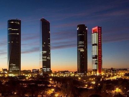 Torres del distrito financiero de Madrid, sede de algunas de las mayores constructoras.