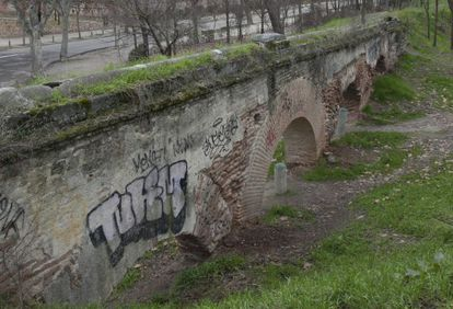 Imagen del acueducto de La Partida en la Casa de Campo, diseñado por Francisco Sabatini.