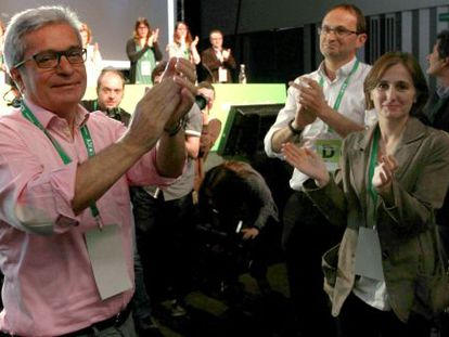 Joan Saura, Joan Herrera y Dolors Camats, en la asamblea de ayer de Iniciativa.