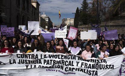 Universitarias durante el 8 de marzo de 2019 en Granada.