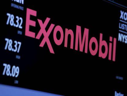 El logotipo de ExxonMobil, en la Bolsa de Nueva York.