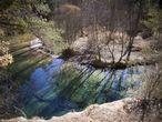 Entre Teruel, Cuenca y, sobre todo, Guadalajara, los primeros 125 kilómetros del río, aproximadamente, están en buenas condiciones pese a la sequía. En la imagen, una zona recreativa del Tajo aguas arriba del Salto de la Poveda.