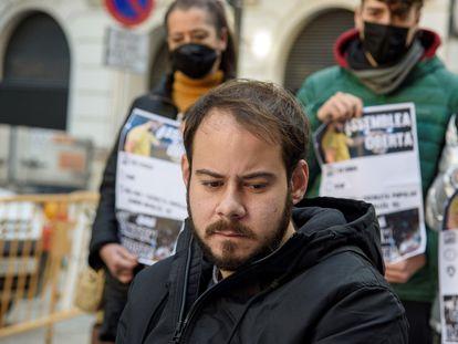 Pablo Hásel, durante la rueda de prensa que ofreció el 1 de febrero en Lleida tras conocer la orden de la Audiencia Nacional para que ingrese en prisión.