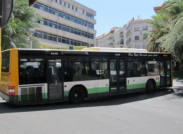 Un autobús de la red de transporte público de Jaén.
