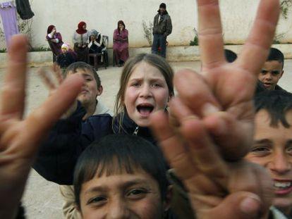 Niños sirios refugiados en el norte de Líbano.