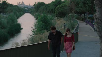 Fotograma de la película La virgen de agosto de Jonás Trueba.