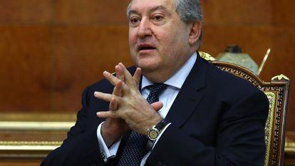 El presidente de Armenia, Armén Sarkisián, durante un encuentro con el titular ruso de Exteriores, Serguéi Lavrov, el pasado noviembre.