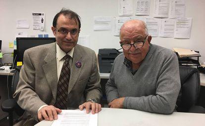 El refugiado Vanig Garabedian, izquierda, y su patrocinador Apkar Mirakian, el pasado viernes en Toronto