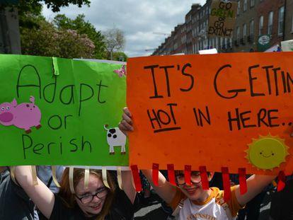 Manifestación de estudiantes en Dublín protestando contra el cambio climático. La foto es del 24 de mayo, por cierto.