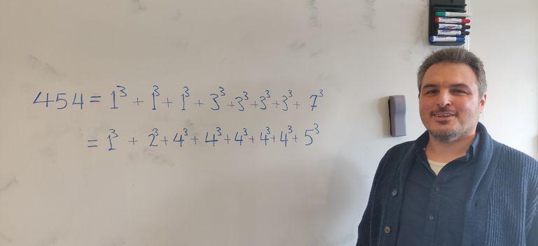 Samir Siksek, catedrático de la Universidad de Warwick y autor de la reciente resolución del problema de los cubos para el caso impar.