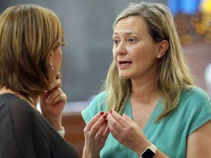 La diputada Victoria Rosell al término de la segunda jornada del juicio que el Tribunal Superior de Justicia de Canarias sigue contra el magistrado Salvador Alba. En vídeo, su declaración.