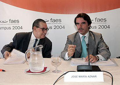 José María Aznar y Juan Velarde, en la inauguración del campus de la Fundación FAES.