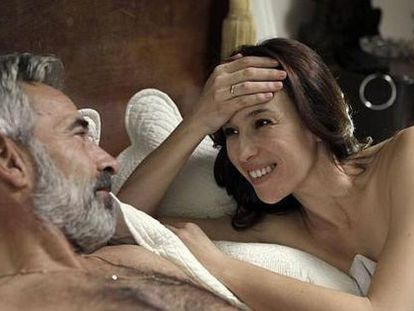 Imanol Arias y Ariadna Gil, como amantes en la temporada 15 de 'Cuéntame cómo pasó'