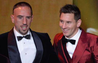 Ribéry y Messi, durante la ceremonia.