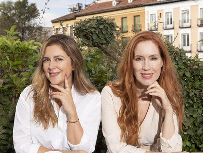 Marta Sánchez-Moreno (izquierda) y Carla Sánchez, fundadoras de The Holistic Concept, en Madrid, en septiembre de 2021.