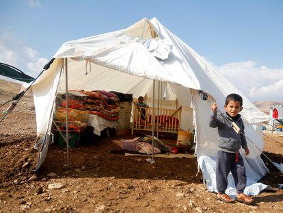 Un niño palestino cuya familia fue desalojada por el Ejército israelí, el jueves en un refugio provisional en el valle del Jordán.