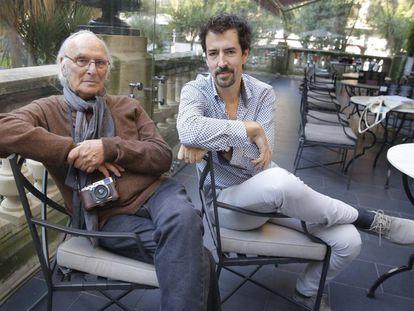 Carlos Saura (izquierda) y Félix Viscarret, hoy en Festival de cine de San Sebastián.