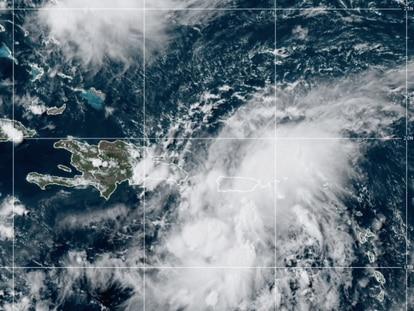 Imagen del Centro Nacional de Huracanes de la tormenta 'Grace' acercándose a la isla La Española.