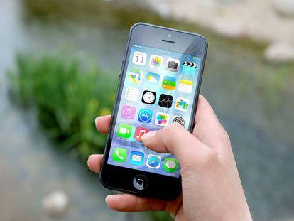 Un 'smartphone' con varias aplicaciones.