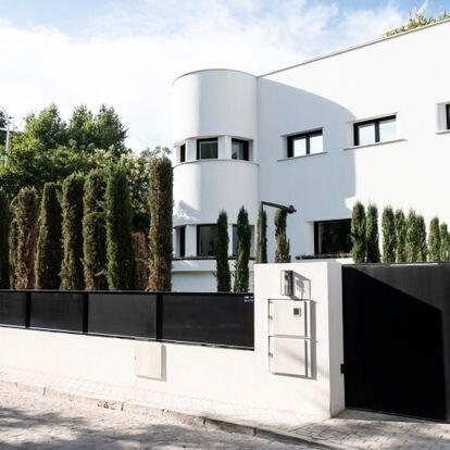 DVD 1063  (Julio) Las viviendas de acabado circular son muy características de la colonia del Viso en Madrid.