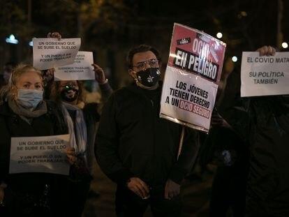 Manifestación contra las restricciones establecidas por el Gobierno para evitar los contagios y la propagación del coronavirus en Barcelona.