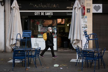 Un local de Barcelona, afectado por las restricciones.